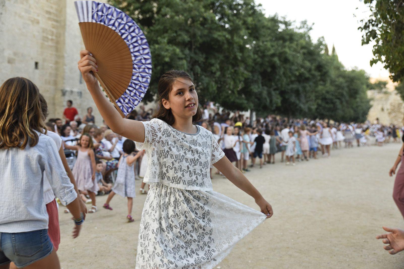 """""""Paga-li, Joan"""", ball del vano i el ram. Foto: Bernat Millet."""