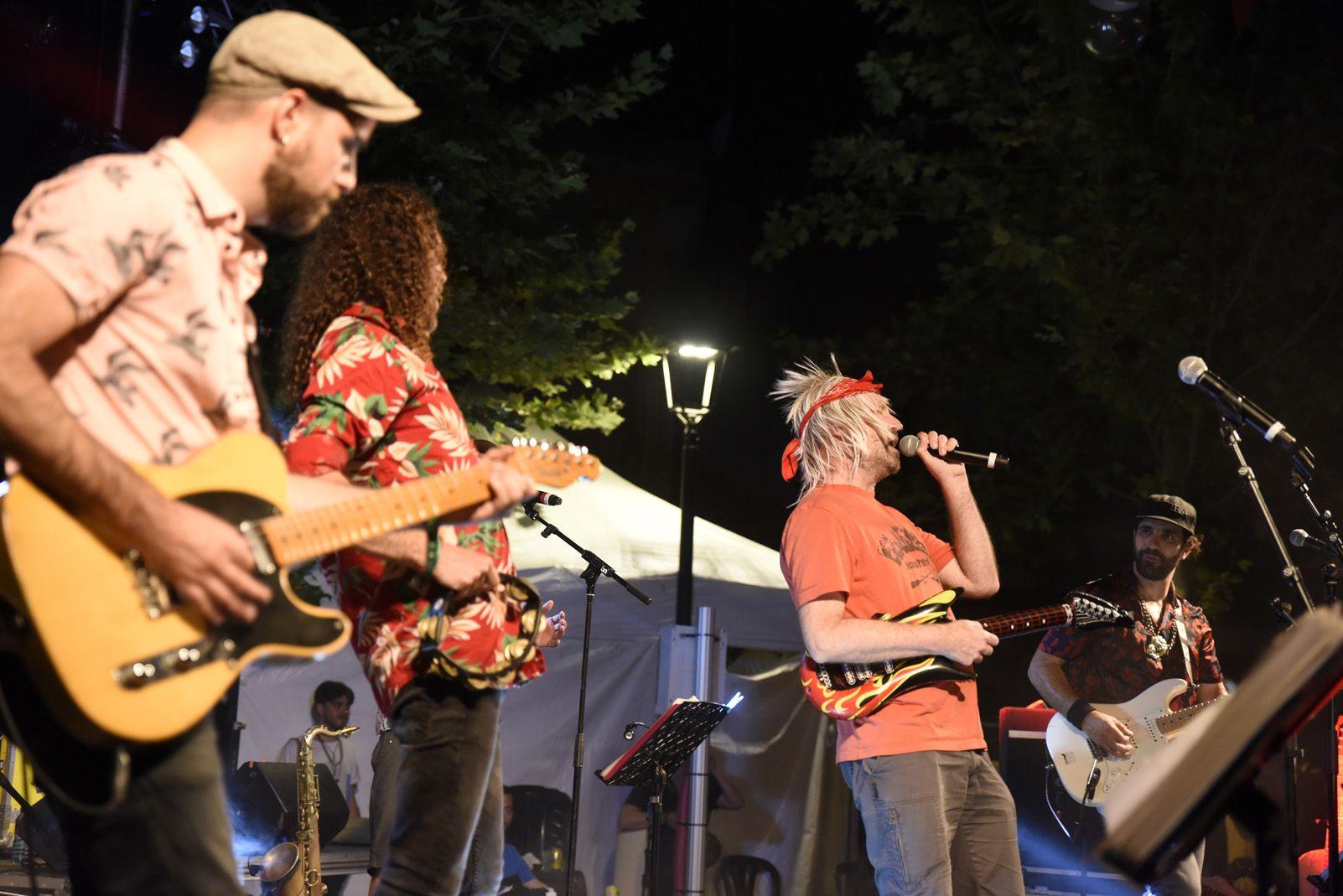 Gang Live karaoke band amb els De Mortimers. Foto: Bernat Millet.
