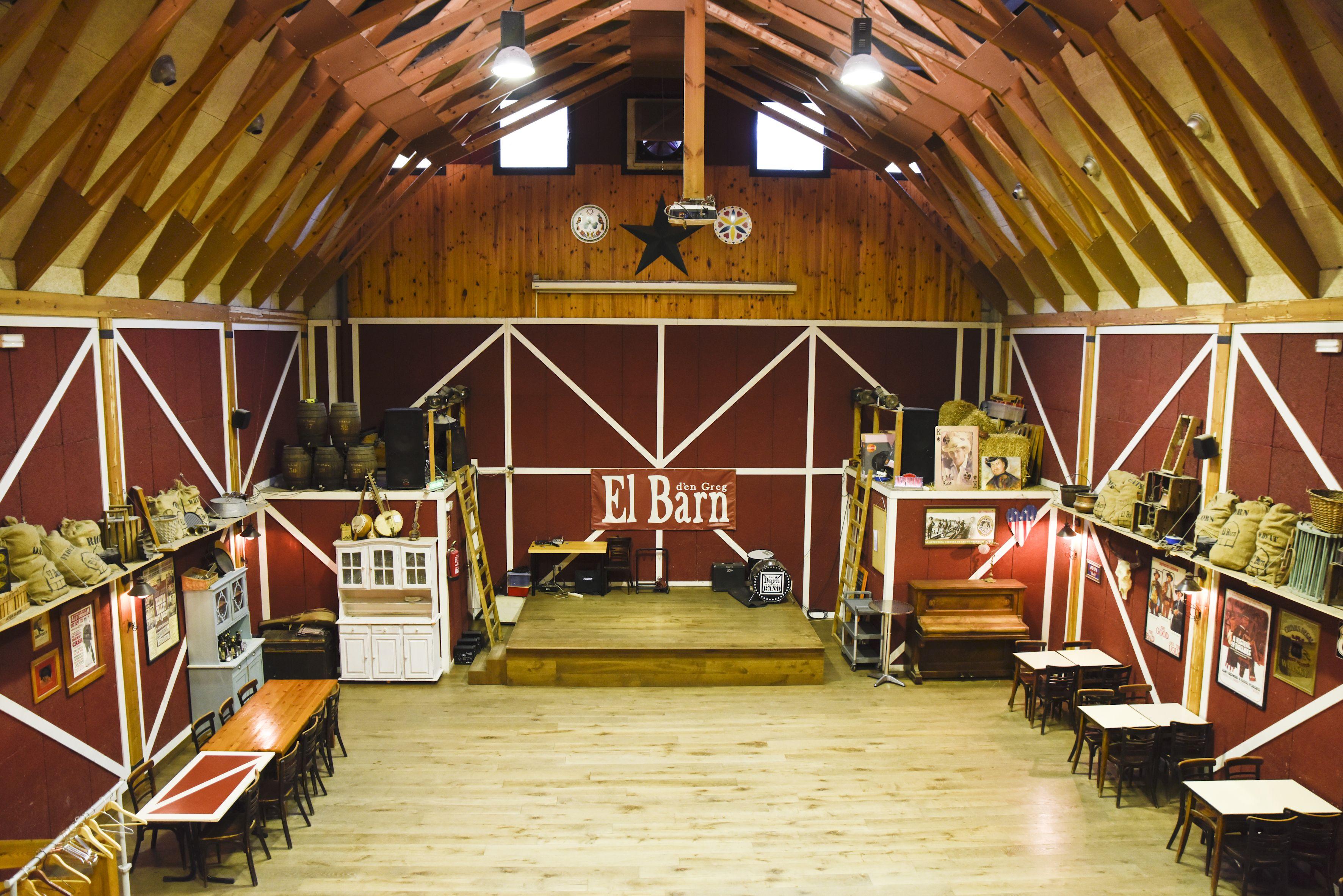 Al saló s'hi celebren festes d'estil country FOTO: B. Millet