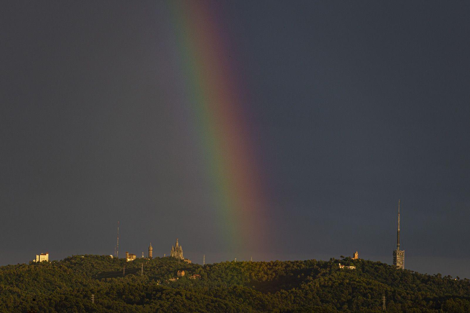 L'arc de Sant Marti durant la tempesta. Foto: Cedida.