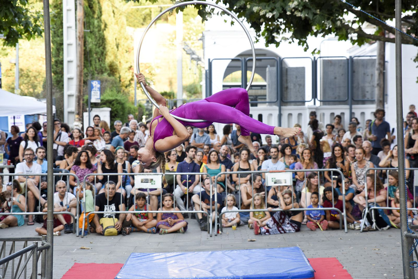 Cabaret d'aeris de Festa Major de La Floresta. Foto: Bernat Millet.