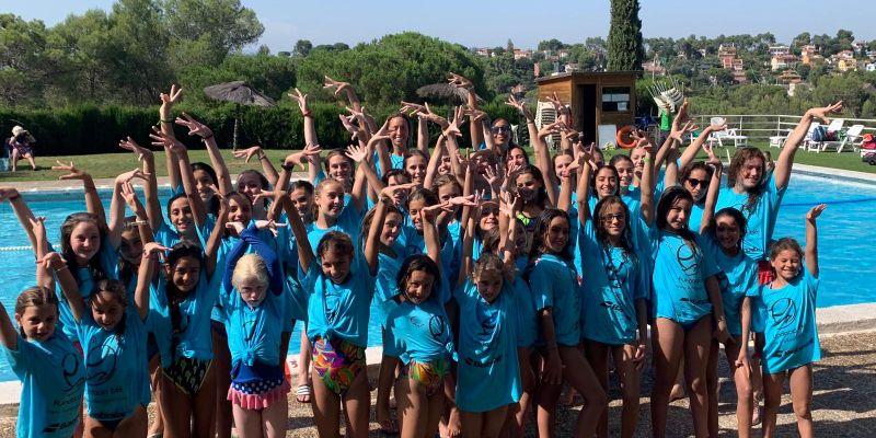 Finalitza el Campus Gemma Mengual de natació sincronitzada amb exhibició a l'aigua