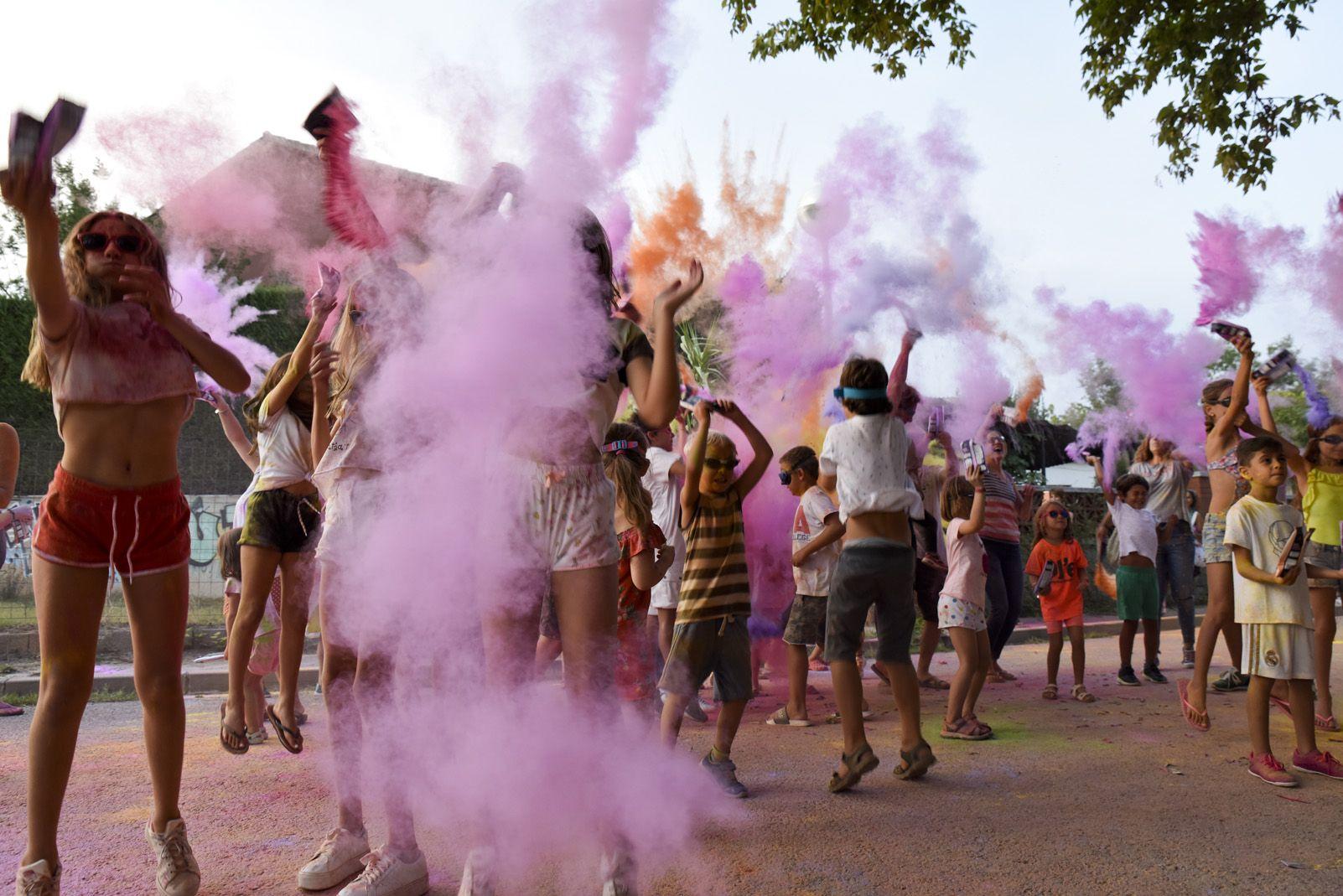 Holi Fest de Festa Major de Mas Gener. Foto: Bernat Millet.