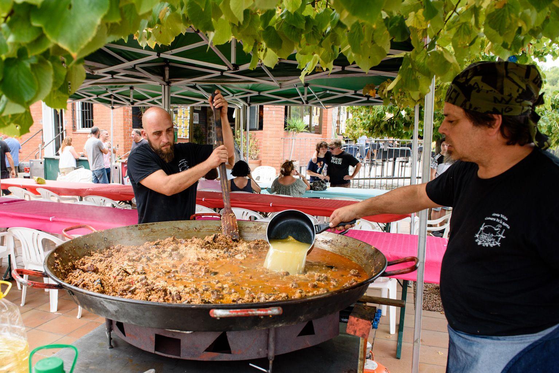 Festa Major de la Colònia Montserrat: Arrossada popular. Foto: Miguel López Mallach