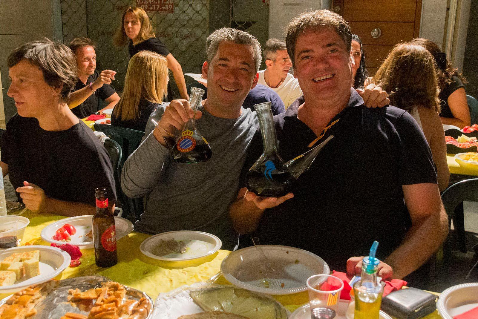 Sopar anual dels veïns i veïnes del carrer Xerric. FOTO: Paula Galván