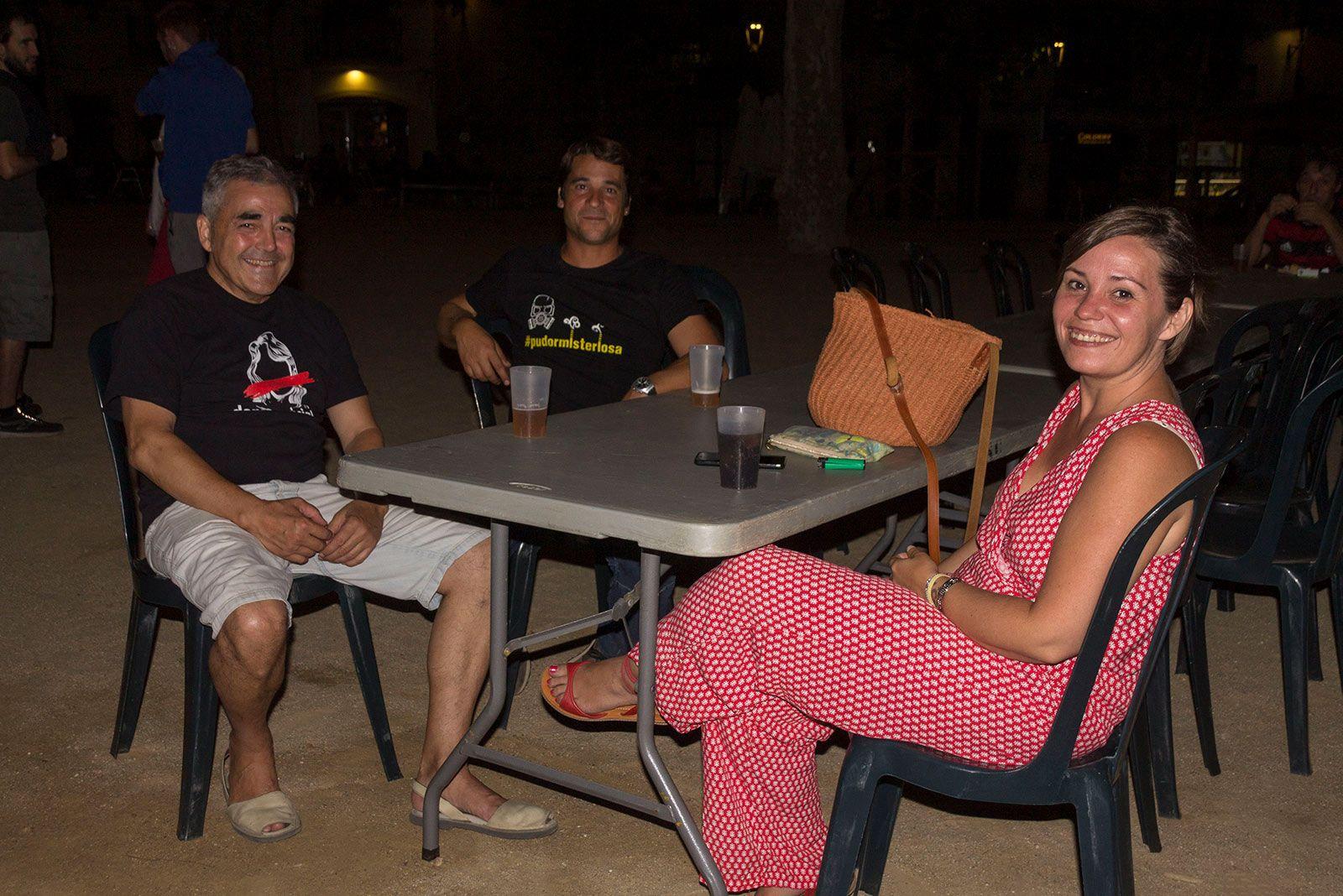 Sopar i barra amb el suport del grup d'encausades del 21F a les vies, Arran i la CUP. FOTO: Paula Galván