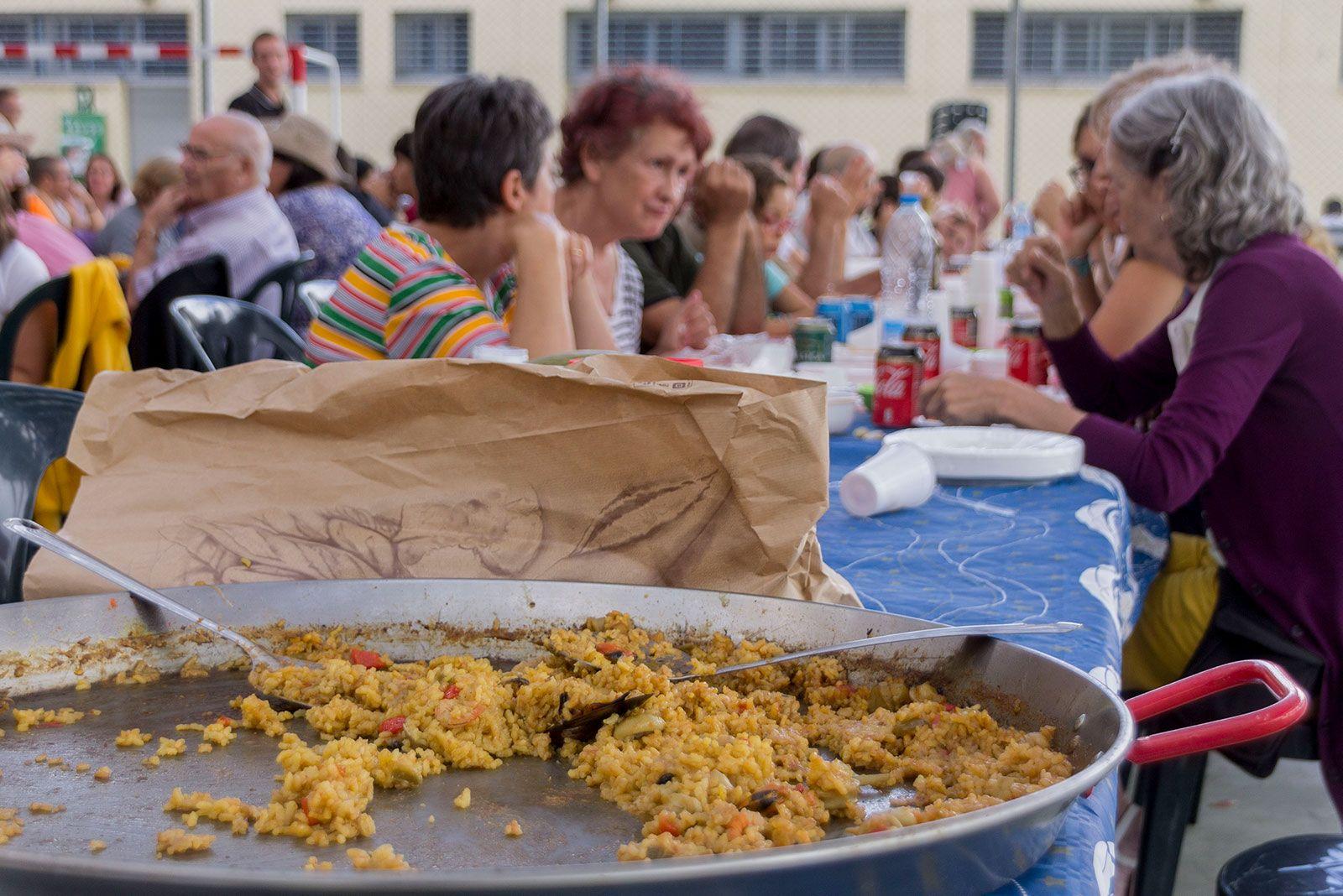Paellada de Festa Major. FOTO: Paula Galván