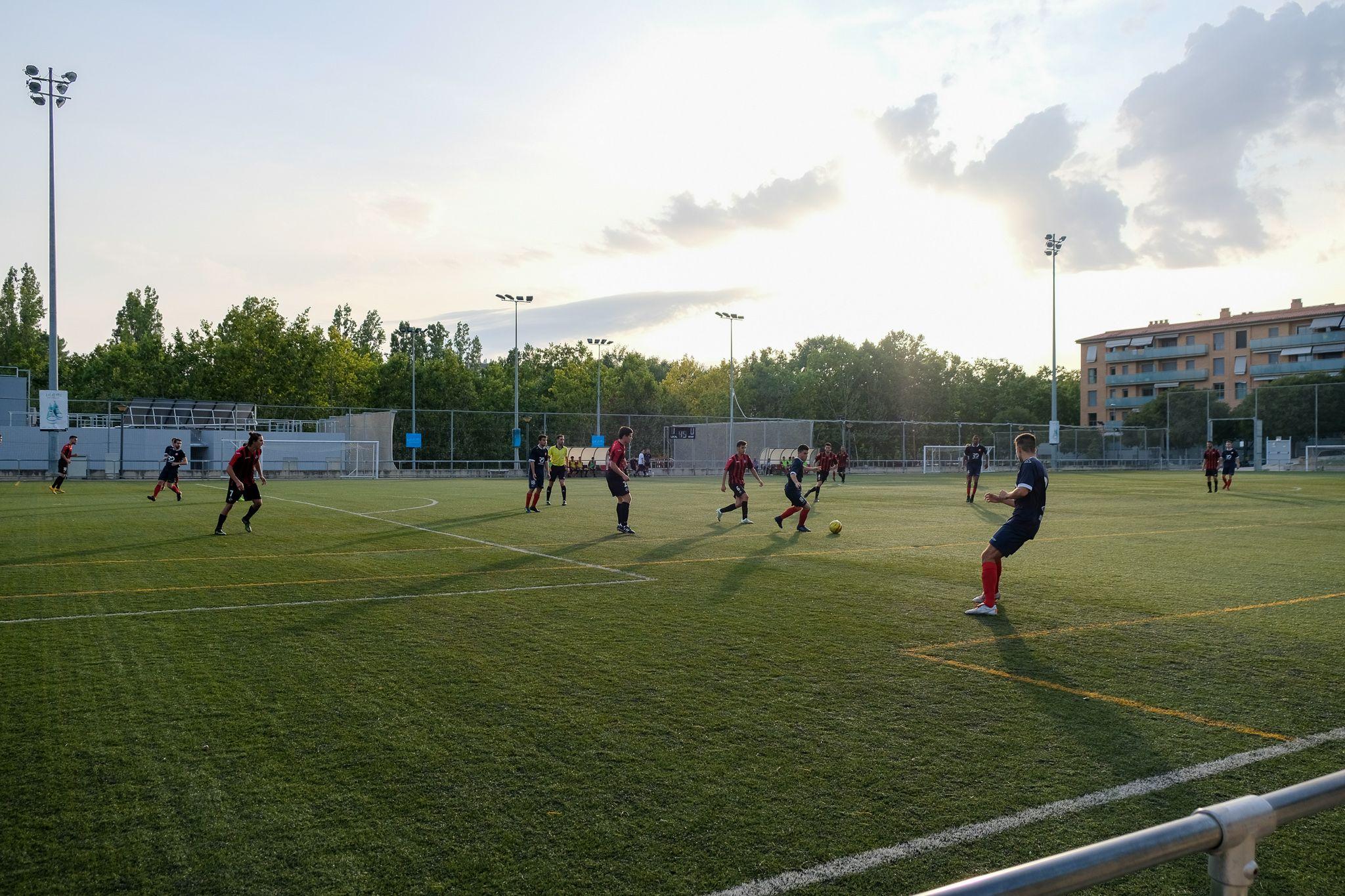 Partit de lliga de futbol masculí. Sant Cugat FC-FE Atlètic Vilafranca. Foto: Ale Gómez