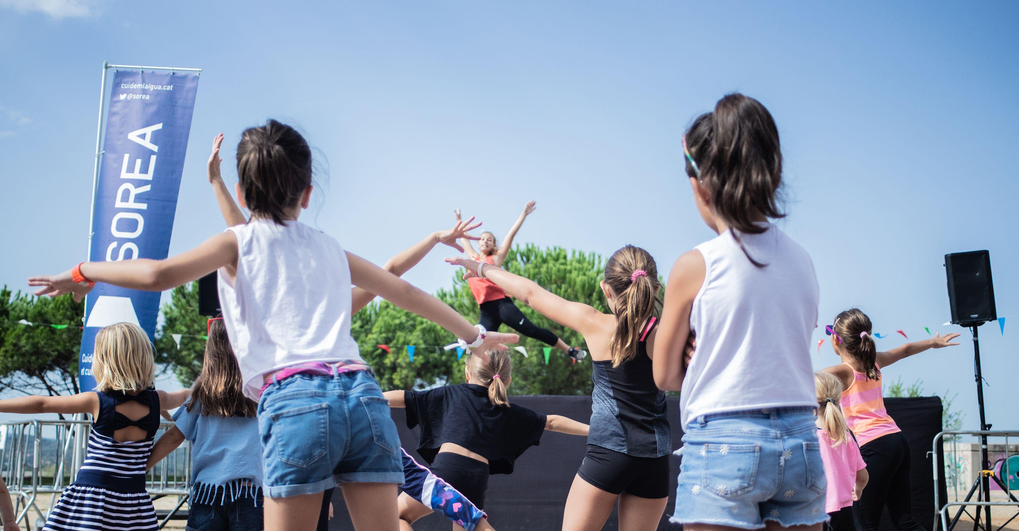 Festa Major de Volpelleres. Hip hop infantil. Foto: Adrián Gómez