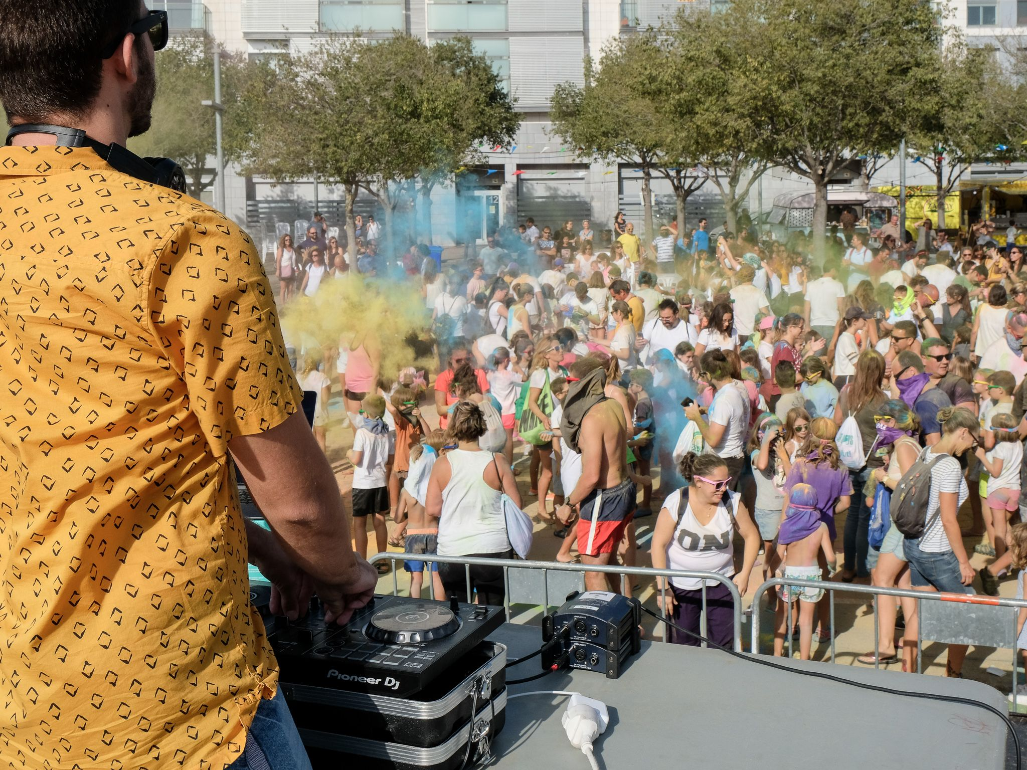 'Holi festival' a la festa Major de Volpelleres. Foto: Ale Gómez