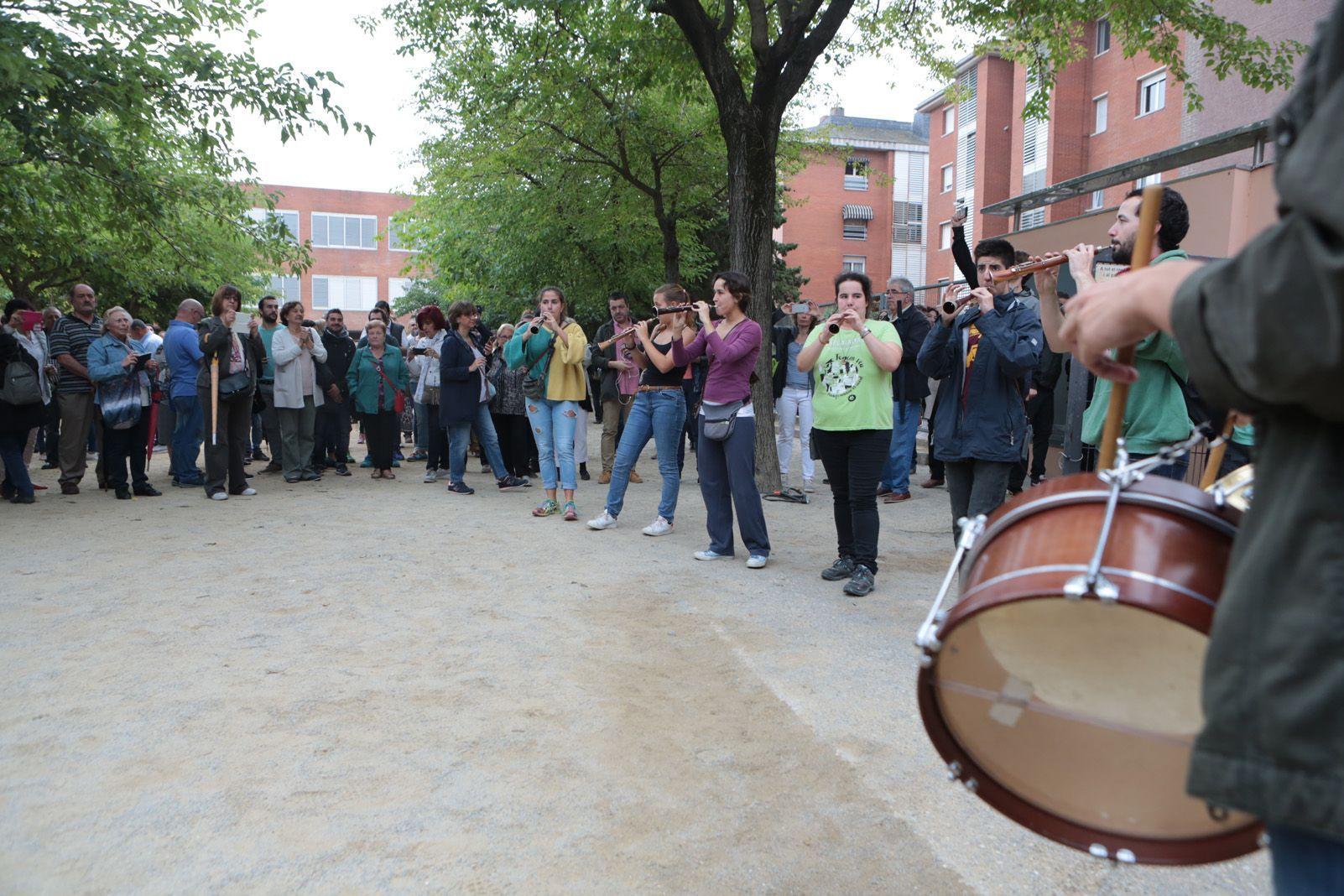Musica i celebració durant la jornada de la votació. Foto: Artur Rivera