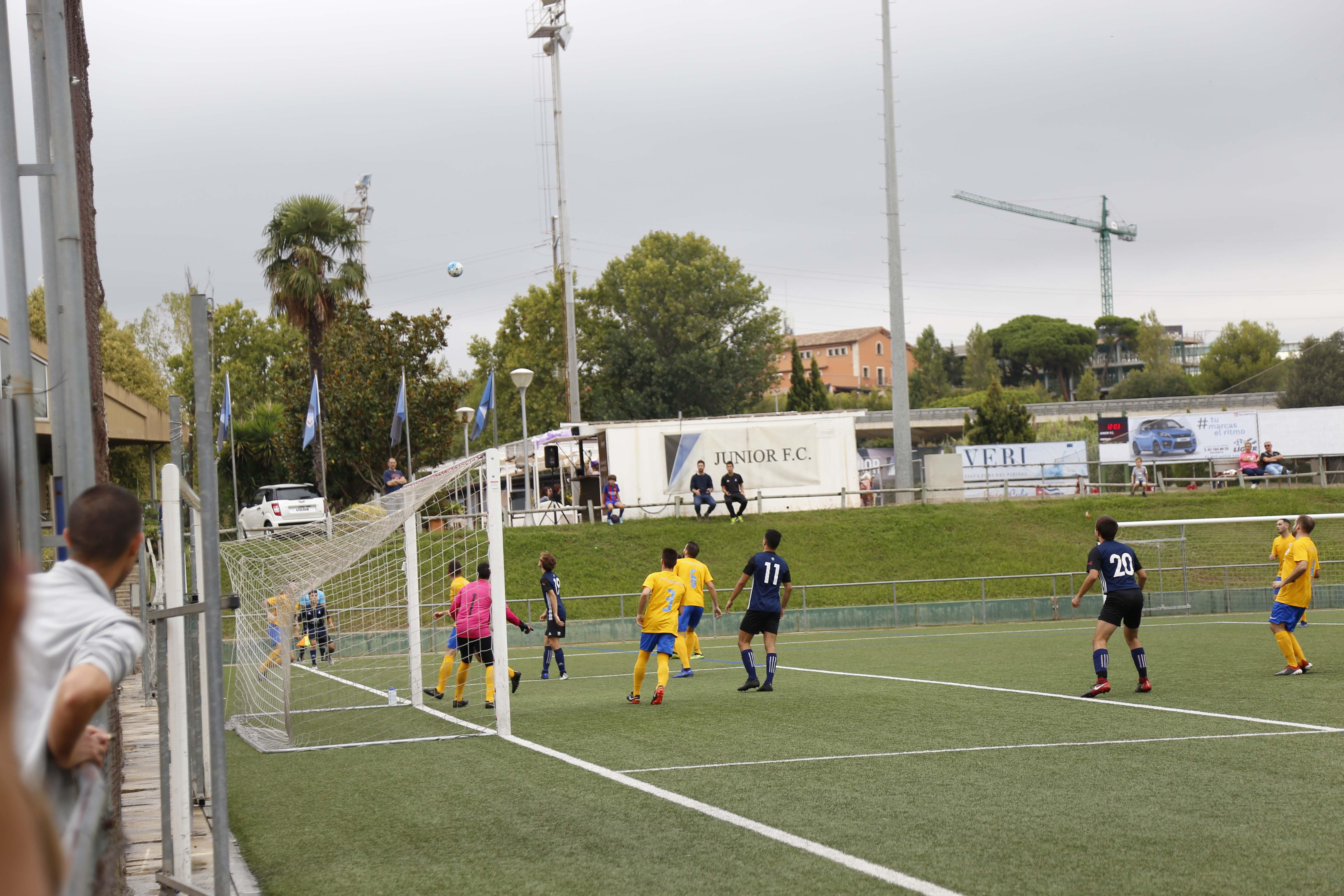 Futbol masculí. Partit de lliga. Atlètic Junior- CD Fontsanta Fatjó. FOTO: Anna Bassa