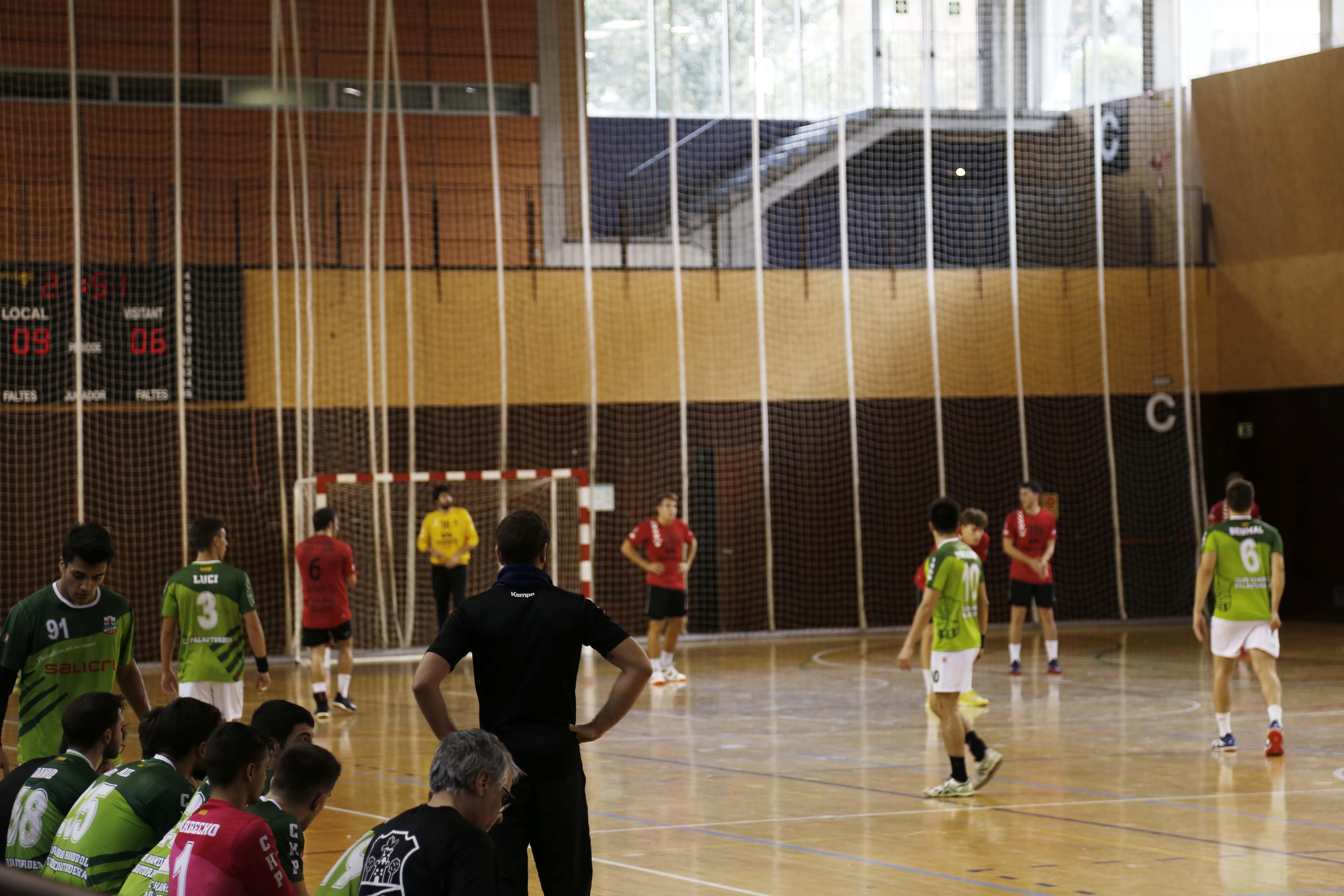 Handbol masculí. Partit de lliga. CH Sant Cugat- CH Palautordera. FOTO: Anna Bassa