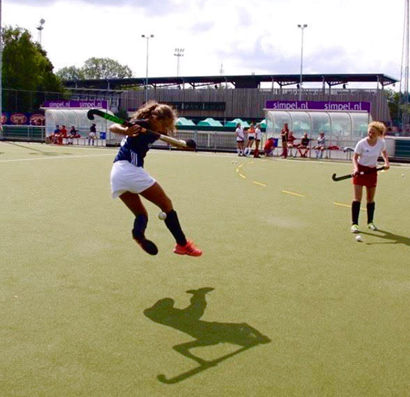 Blanca Tapiz   Agilitat, estil i una mica de postureig   Amsterdam  Field Hockey Campus