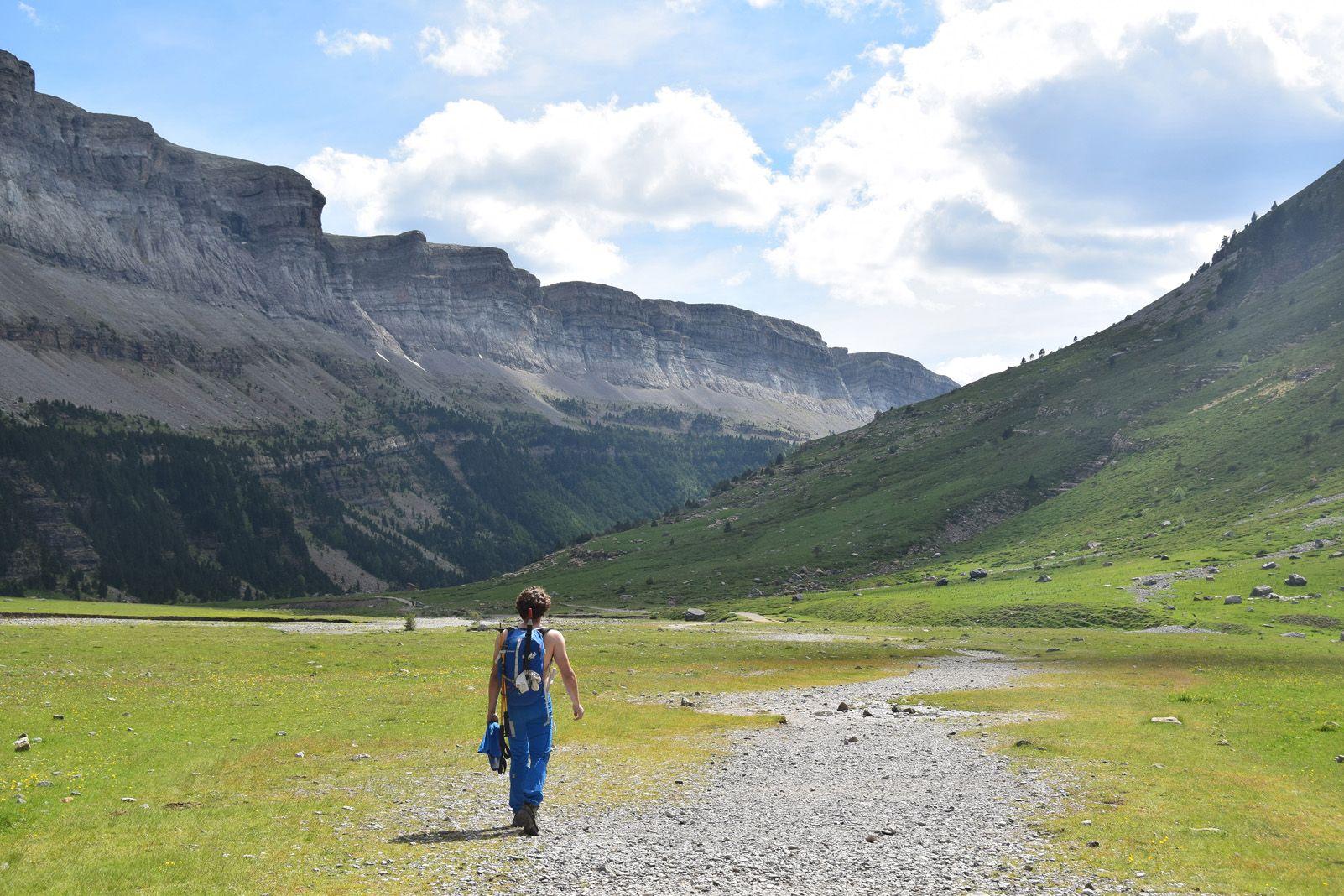 Judith Mayordomo Rebollo   Caminant entre cims,   Valle de Arazas (Parque Nacional de Ordesa y Monte Perdido)