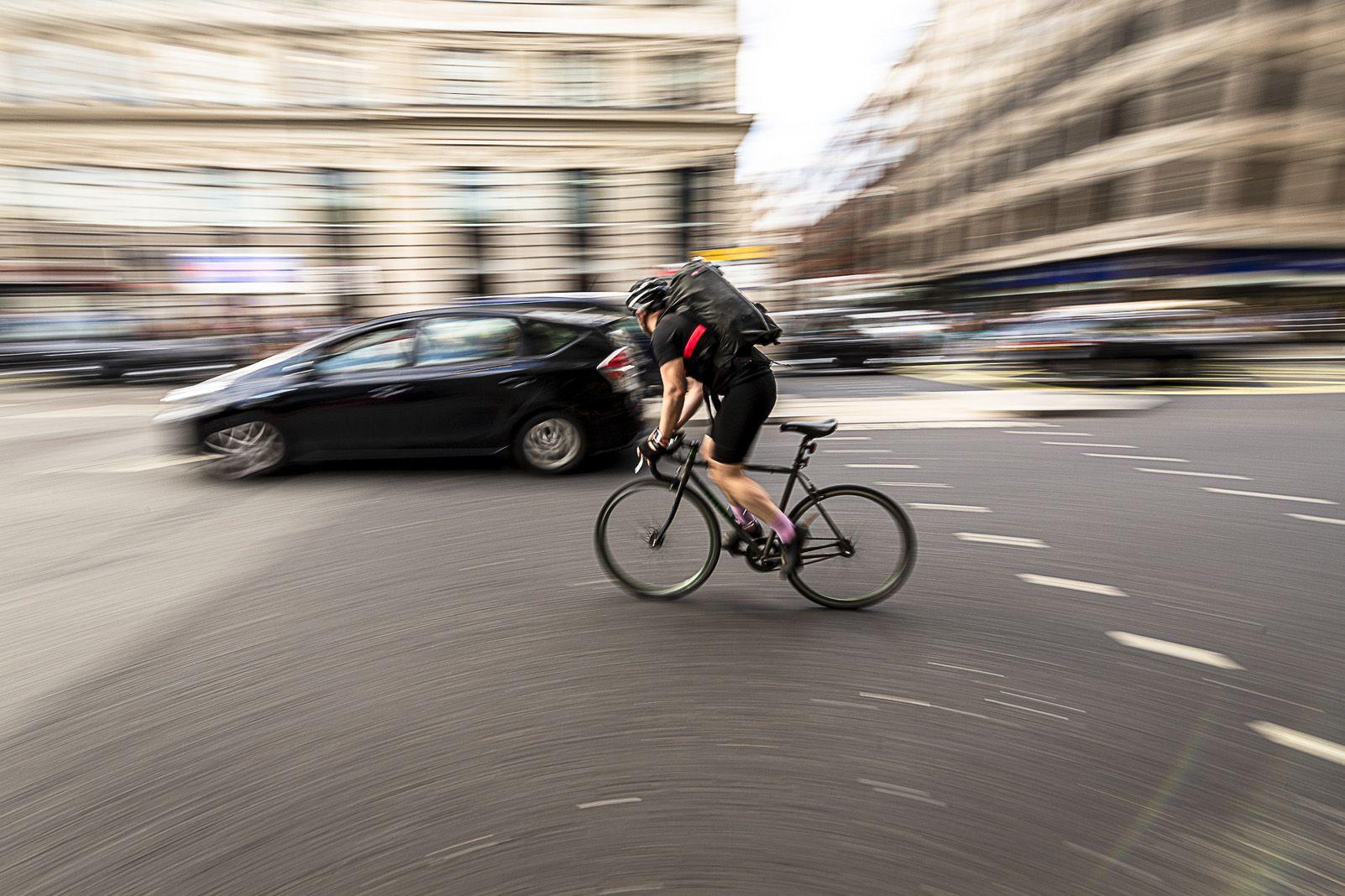 RAMON PEREZ GARCIA   biking in london   Londres