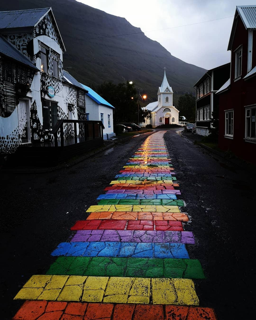agsazr   Camí de colors i diversitat