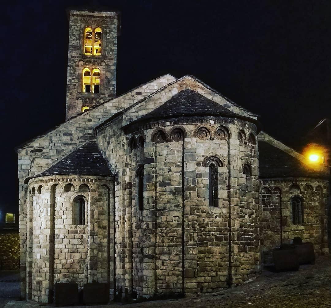 climentclerch    Quan es fa de nit. Església de Santa Maria de Taüll
