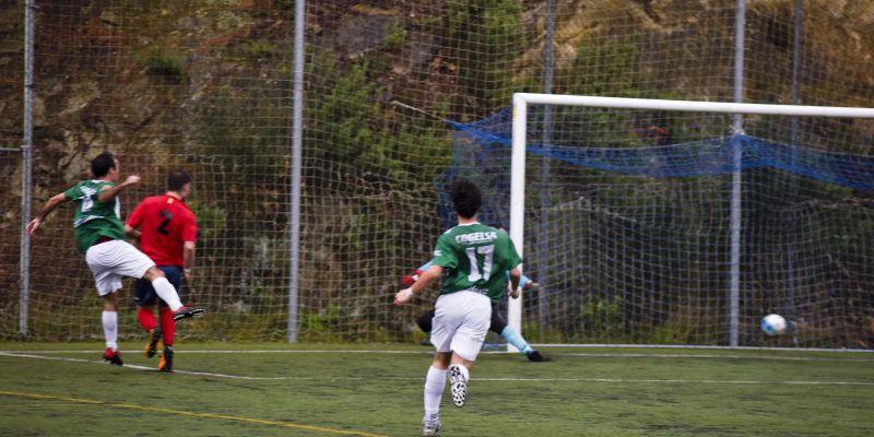 El nou gestor del camp de Vallvidrera deixa sense hores d'entrenament al Valldoreix FC