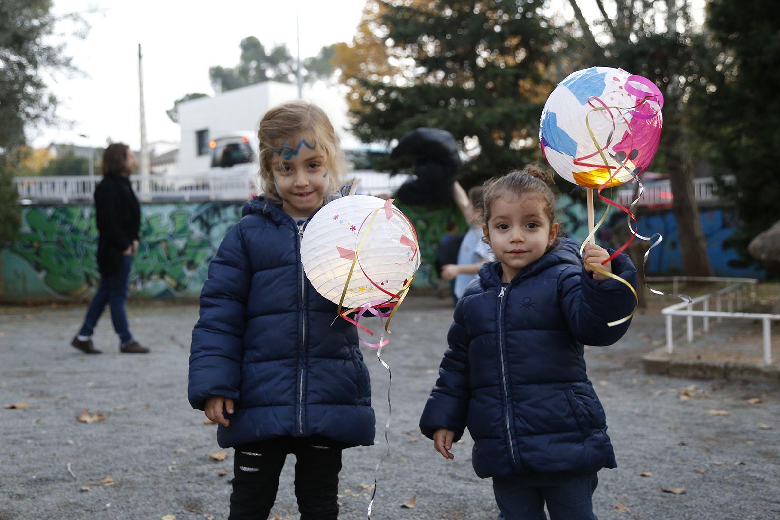 Tallers infantils a l'encesa de llums de nadal a Valldoreix. FOTO: Anna Bassa