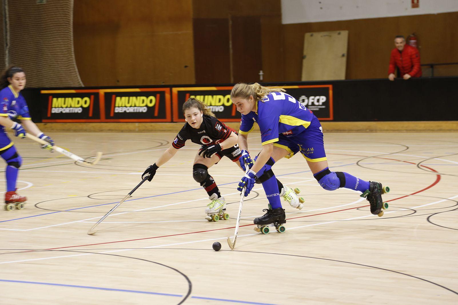 Hoquei sobre patins femení Partit de Lliga PHC Sant Cugat- Areces Asturhoquey. FOTO: Anna Bassa
