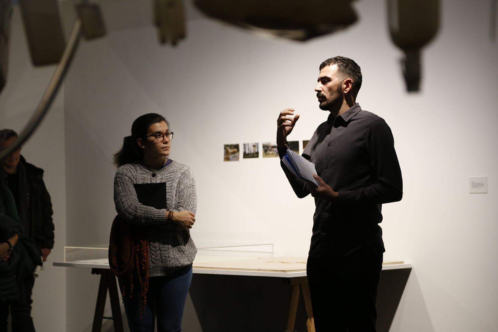 """Inaguració de l'exposició """"Polítiques del sòl"""" a cura de Christian Alonso. FOTO: Anna Bassa"""