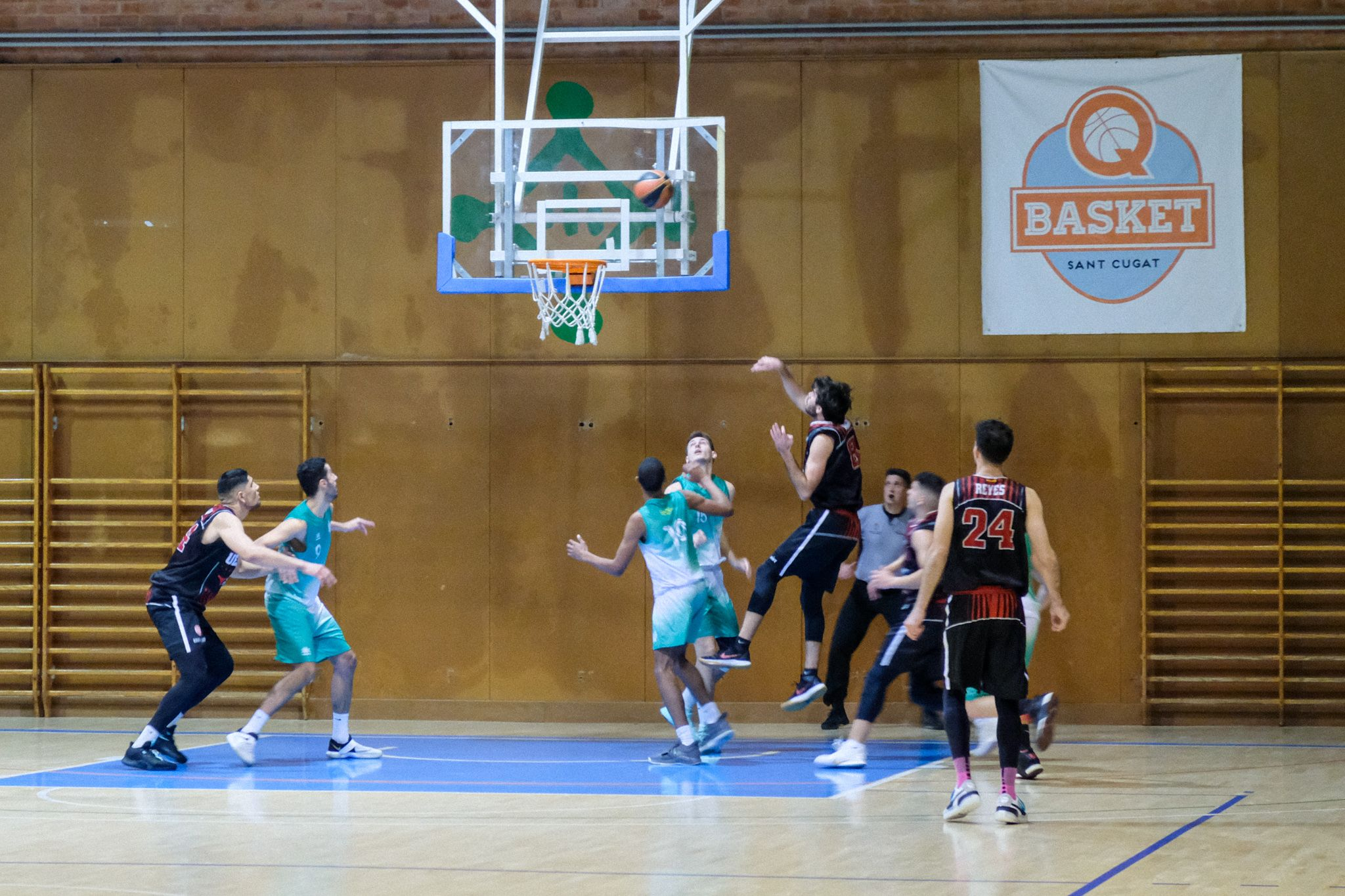 Lliga bàsquet masculí. UE Sant Cugat Centre Catòlic L'Hospitalet. FOTO: Ale Gómez