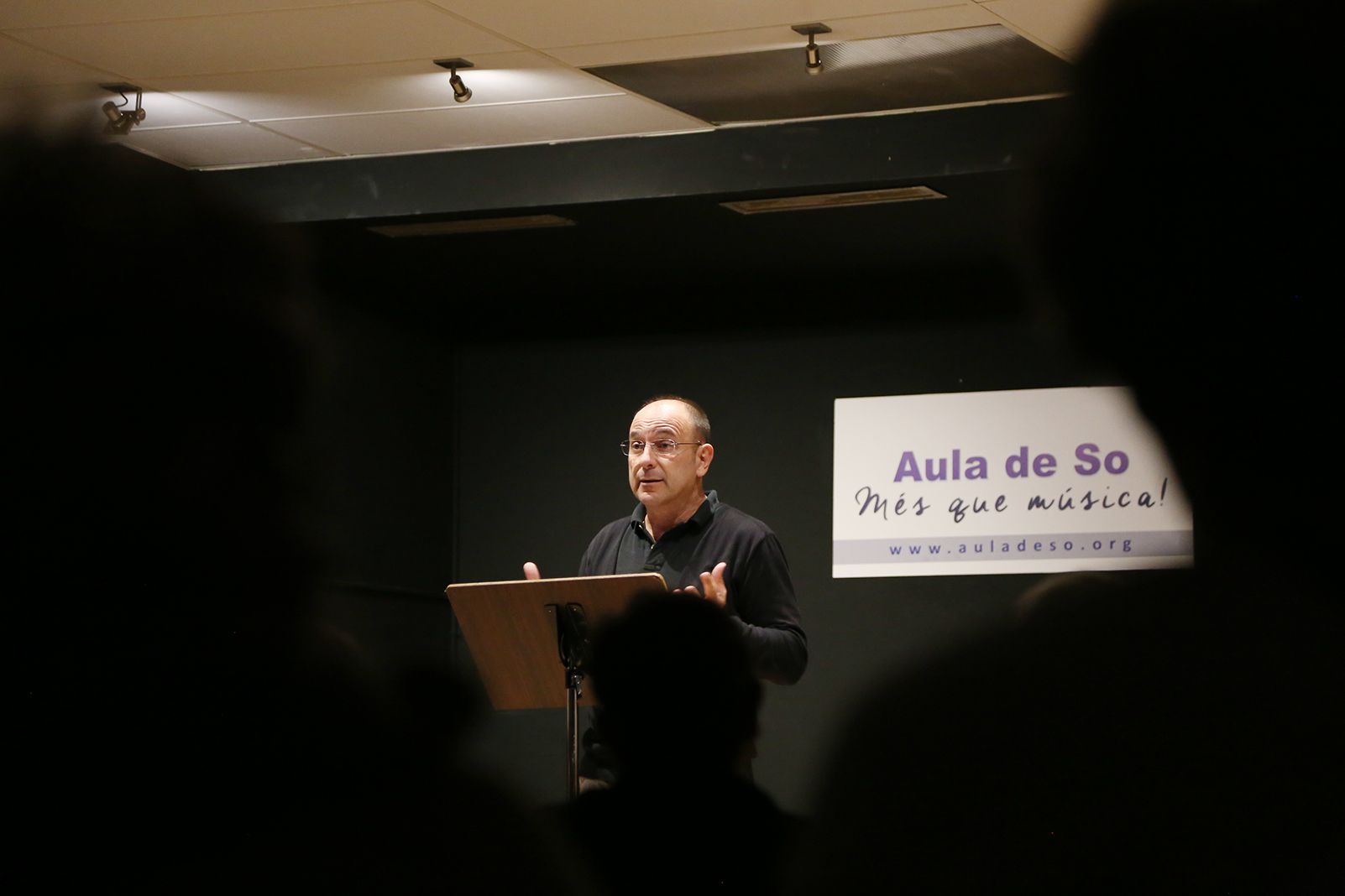 Concert benèfic en suport de Petits Músics del Món a l'Aula de So. FOTO: Anna Bassa
