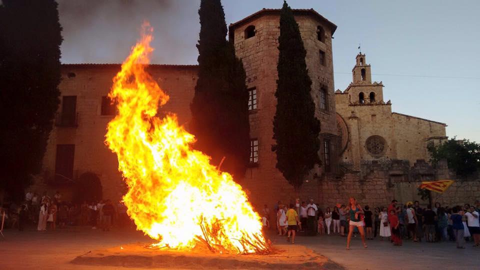 Implicació en esdeveniments de la ciutat, foguera de Sant Joan FOTO: Cedida