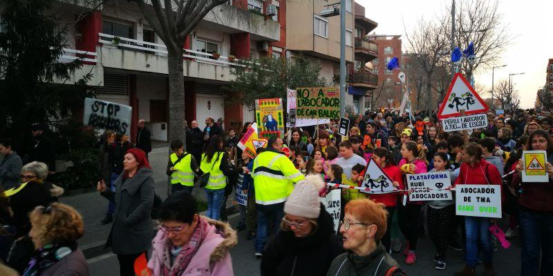 Manifestació contra l'abocador de Rubí. FOTO: Núria Huesos