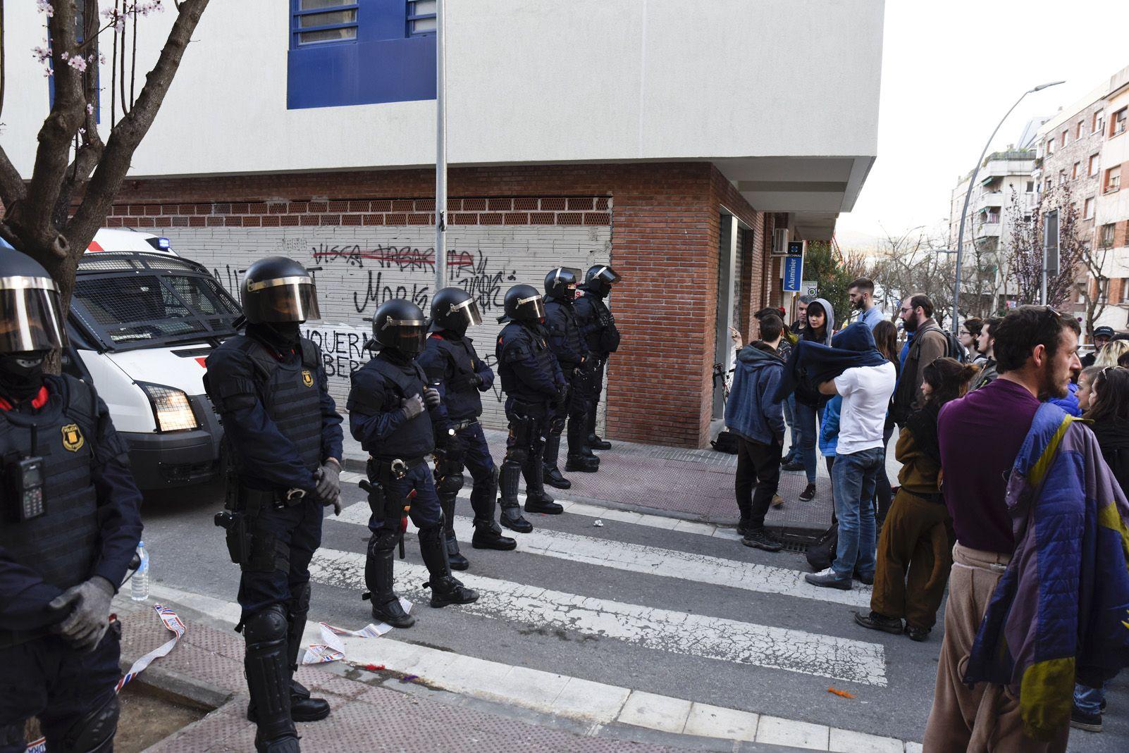 Okupació al carrer Vallès. Foto: Bernat Millet.