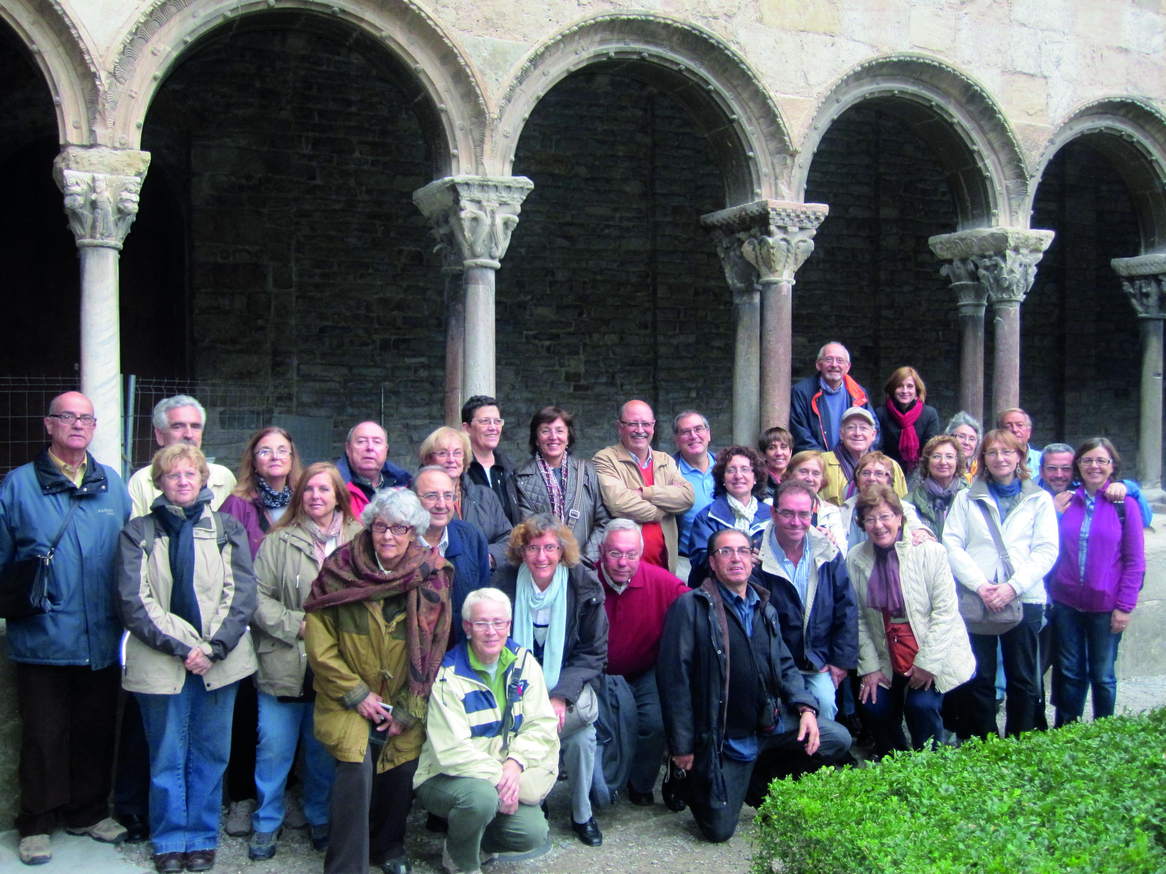 Sortida d'Òmnium Cultural Sant Cugat el 2011 a Sant Joan de les Abadesses.