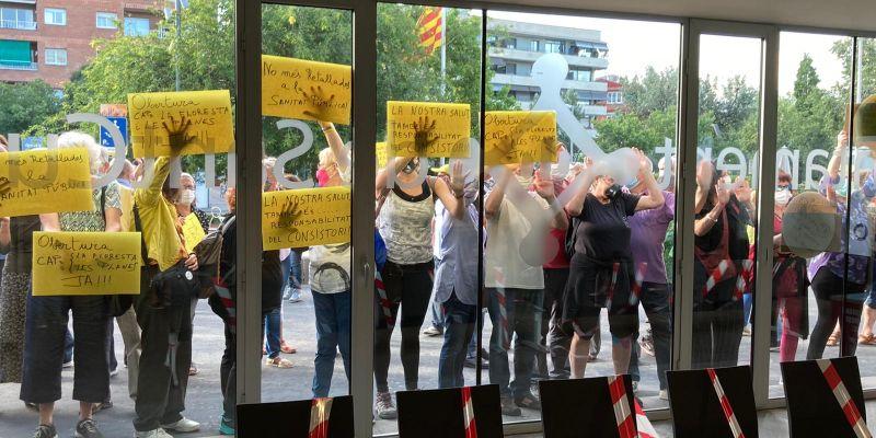 Veïns de La Floresta impulsen un consultori de campanya pel tancament dels CAPs