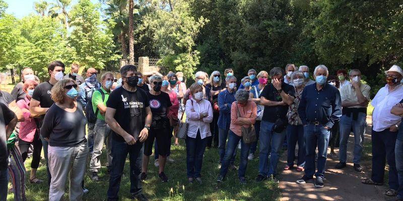 La gent gran, la més afectada pel tancament dels consultoris de La Floresta i Les Planes