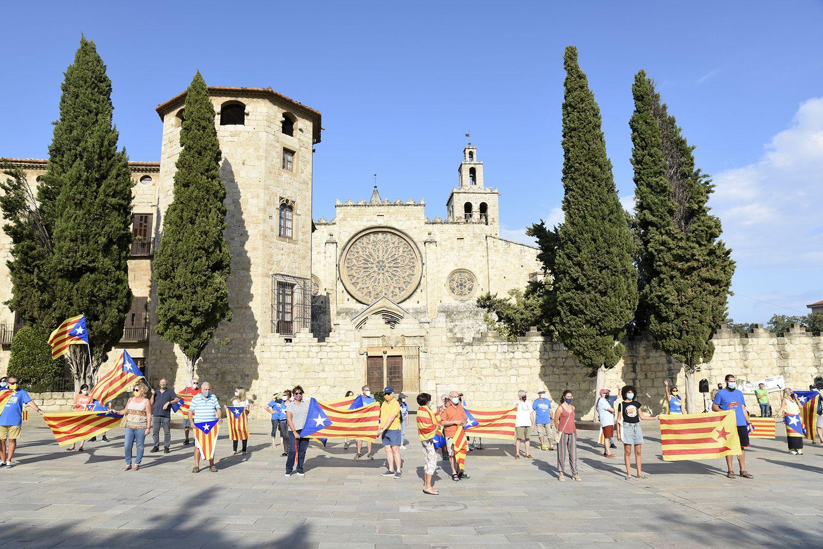 La Via Santcugatenca encercla el Monestir. Foto: Bernat Millet.