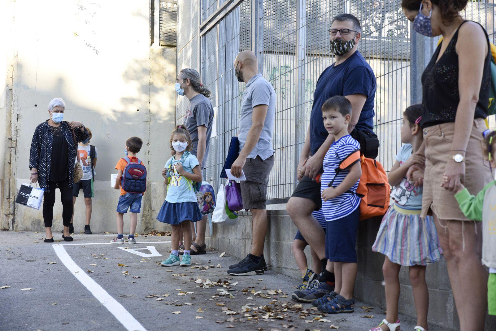 1er dia d'escola després de sis mesos al CEIP Gerbert d'Orlhac. Foto: Bernat Millet.