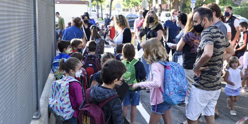 3 nous grups escolars confinats a causa de la COVID-19
