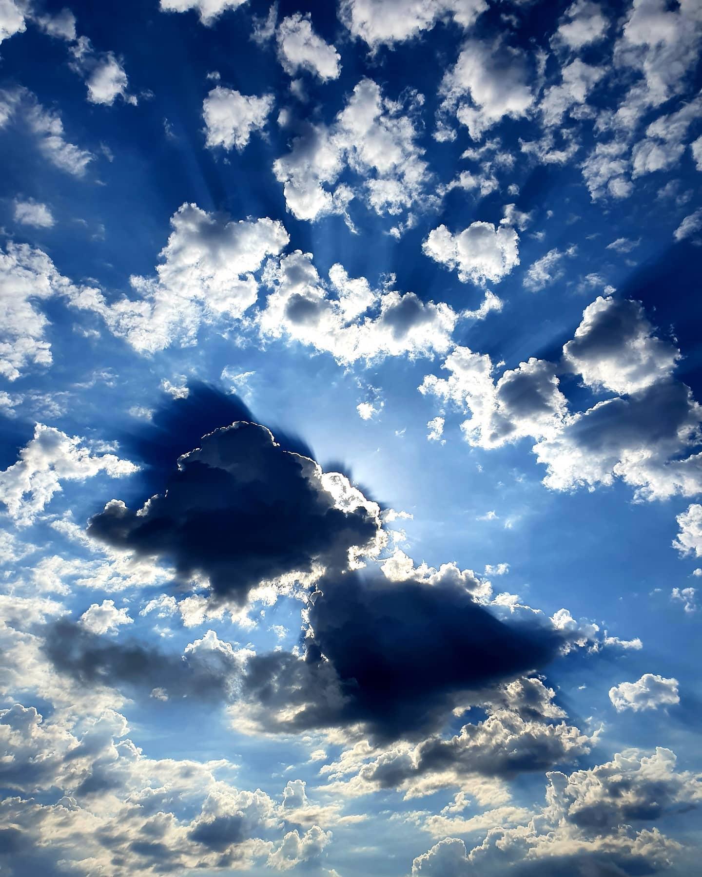 j.wilber.mancilla   Entre las nubes