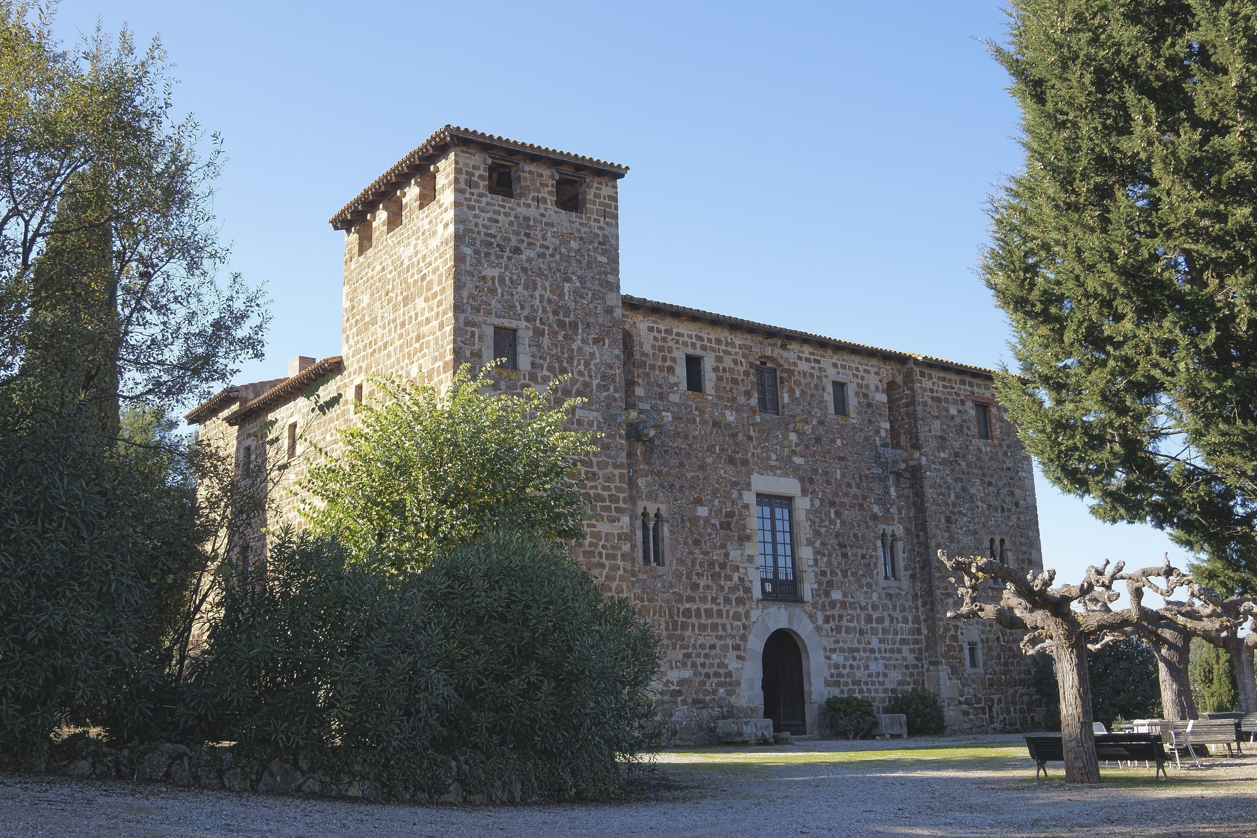 Exterior de la masia de Torre Negra. FOTOS: Quim Llop