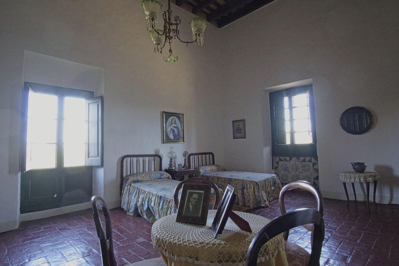 Dormitori de La masia de Torre Negra. FOTOS: Quim Llop