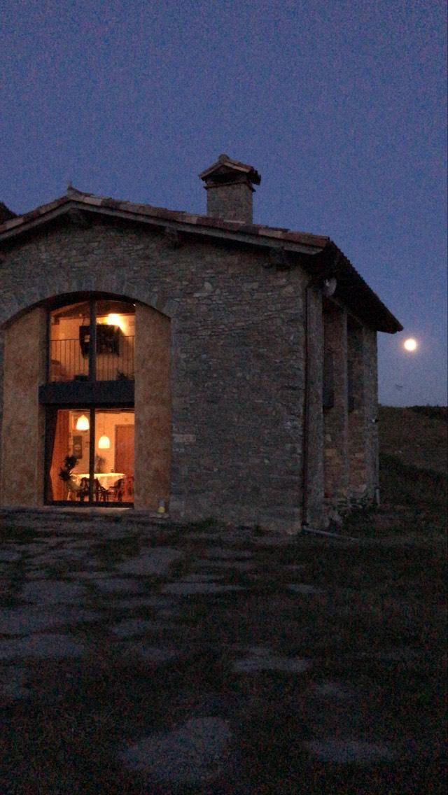 La Lluna ens ilumina Casa rural Les Vinyes en el FAR#Antonio Zoroa Soler 163