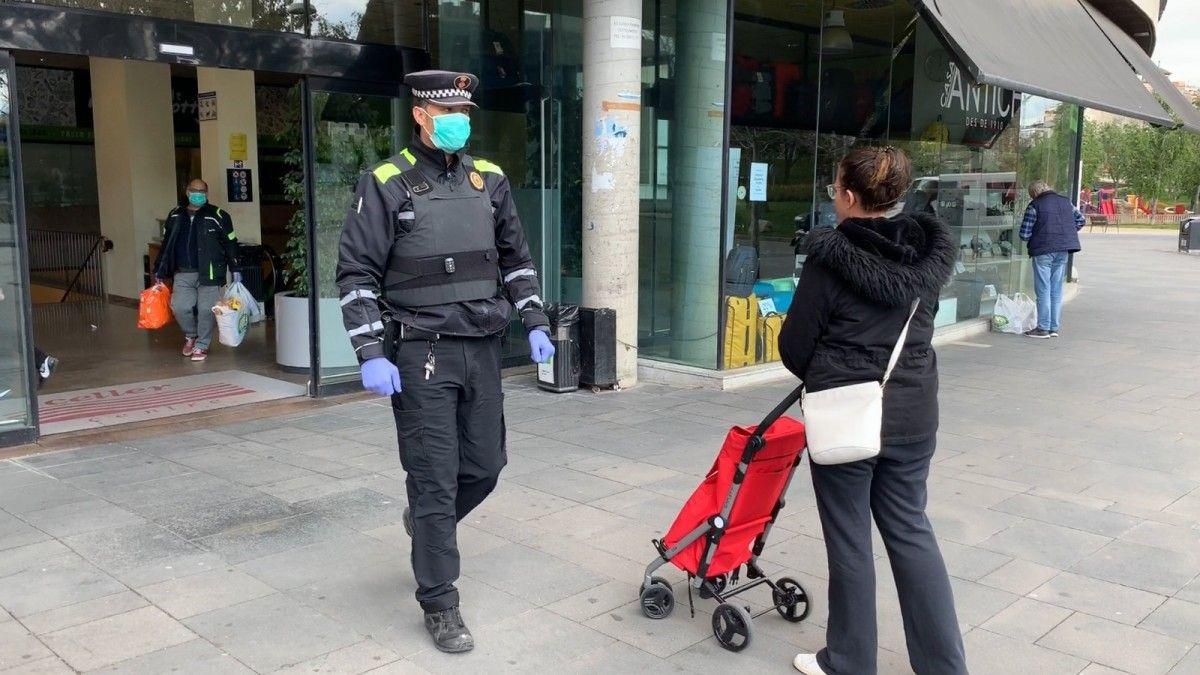 Policia Local i Mossos han estat els encarregats de fer complir les restriccions. FOTO: Arxiu