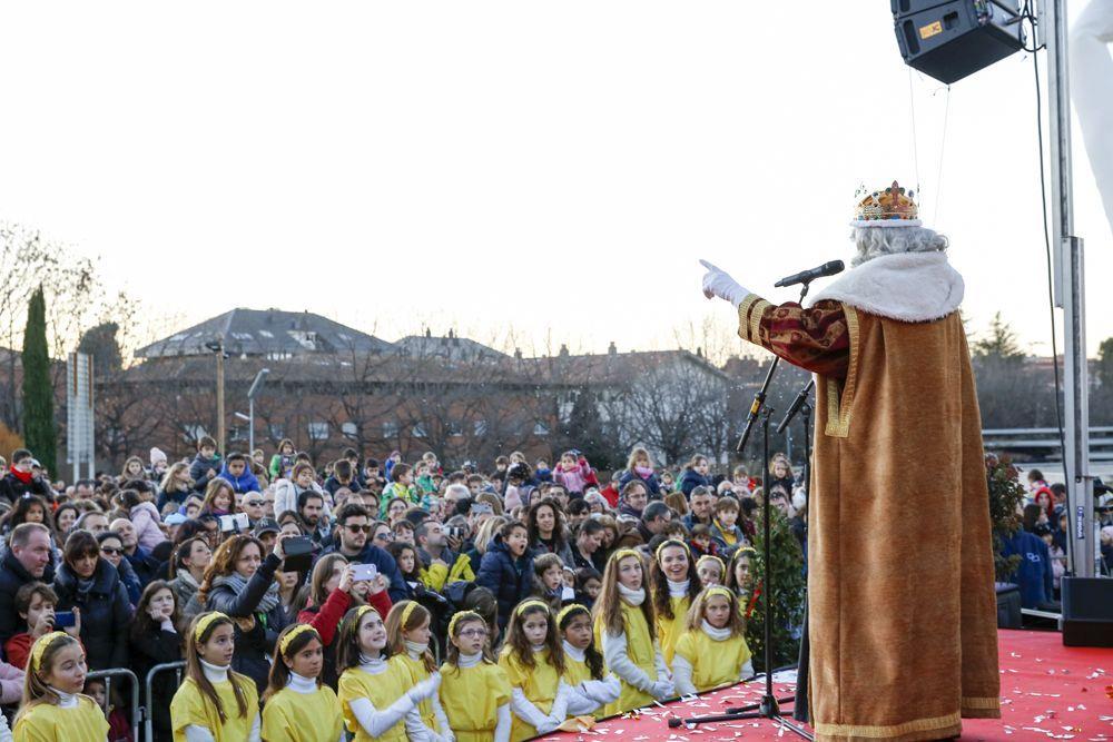 Els Reis visitaven els infants santcugatencs just a l'inici del 2020