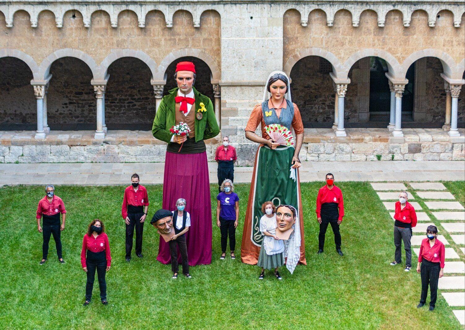 Els Geganters de Sant Cugat va fer el ball del 'Paga-li, Joan', en el marc de la Festa Major