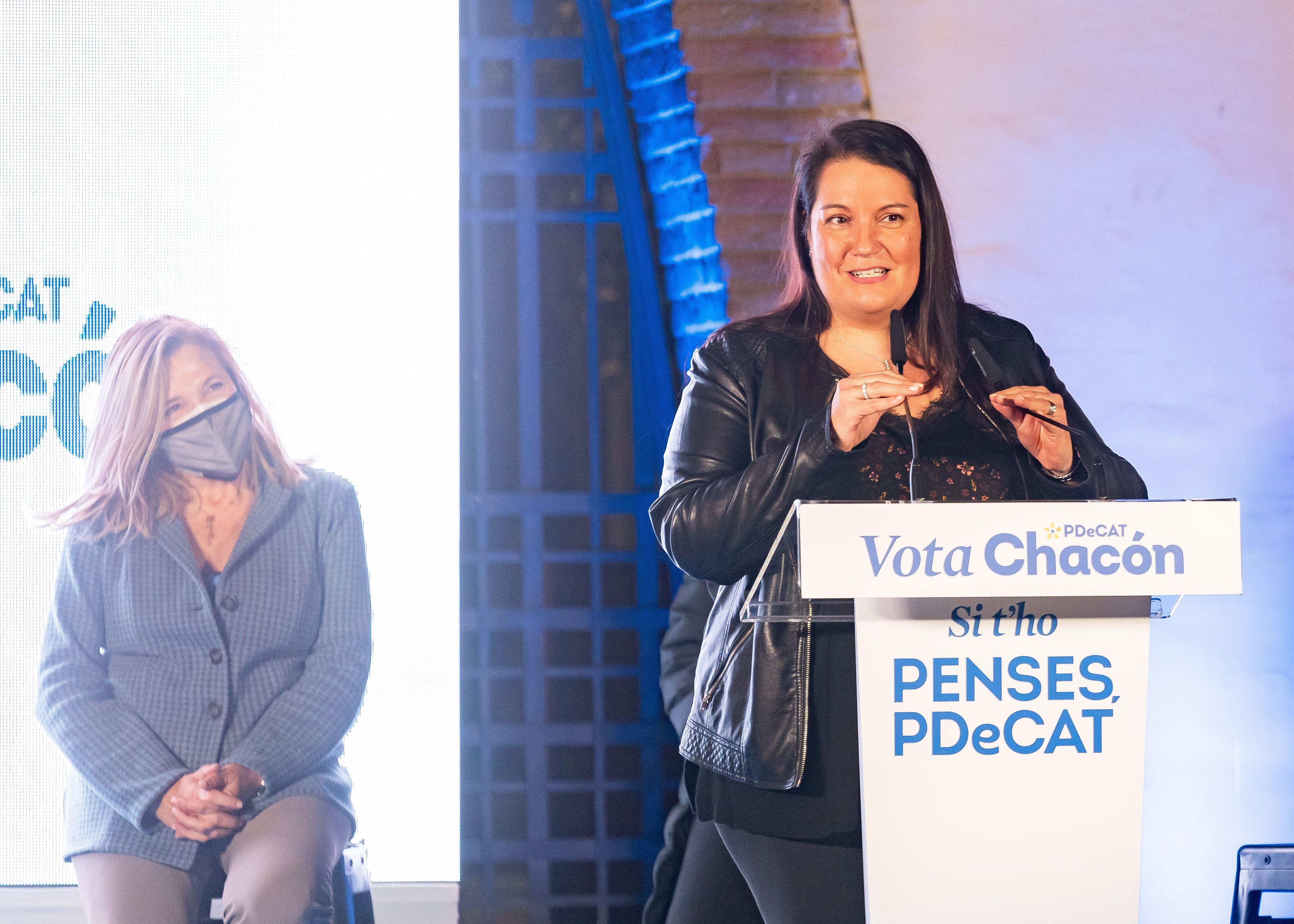Silvia Fuster en la campanya del PDeCAT a Sant Cugat. FOTO: Mariana Castel