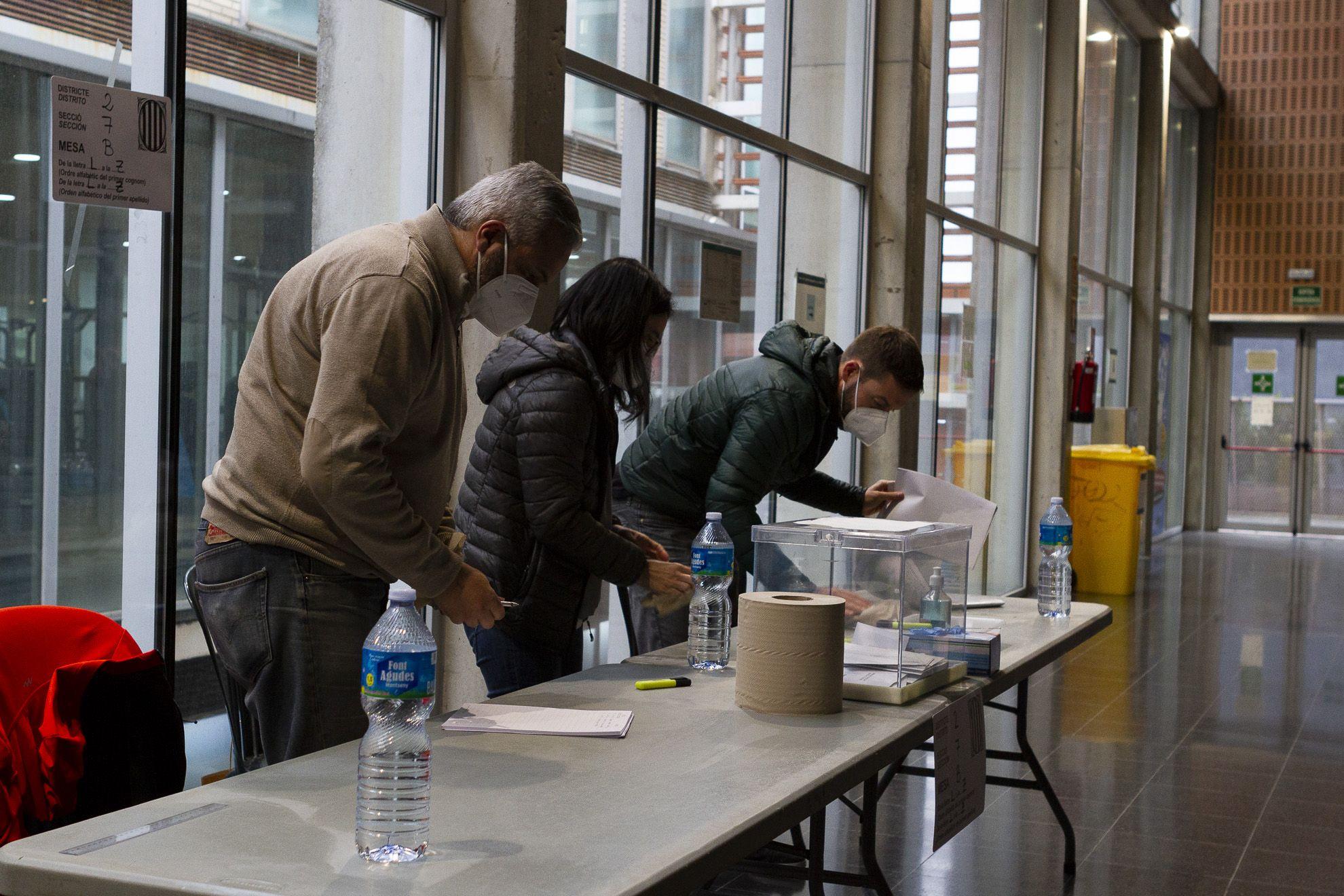 Eleccions al Parlament de Catalunya al pavelló III de la ZEM Rambla del Celler. FOTO: Estefania Bedmar