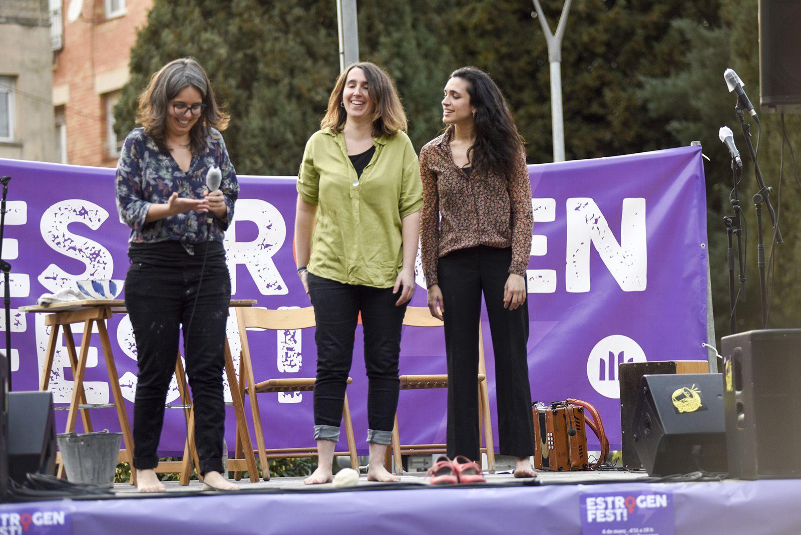 Aleteig amb Aina Serra, Clara Hosta i Lali Mateu. Estrogenfest. Foto: Bernat Millet.
