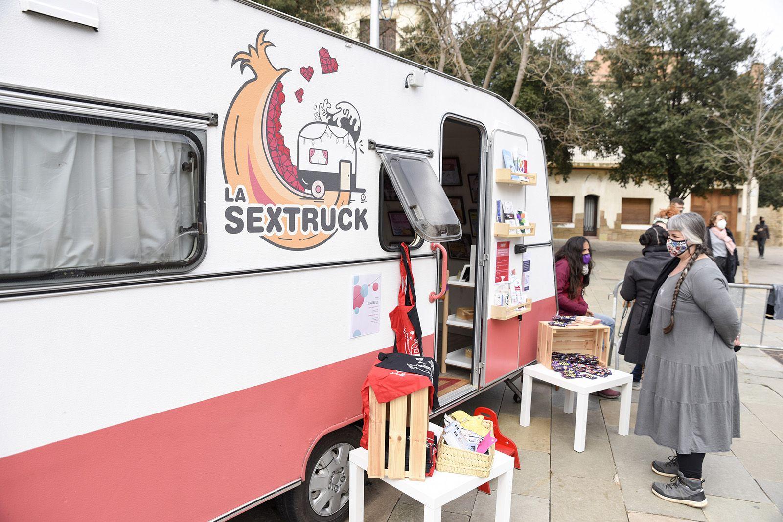 La sextruck caravana pedagogica amb la Churry. Foto Bernat Millet.