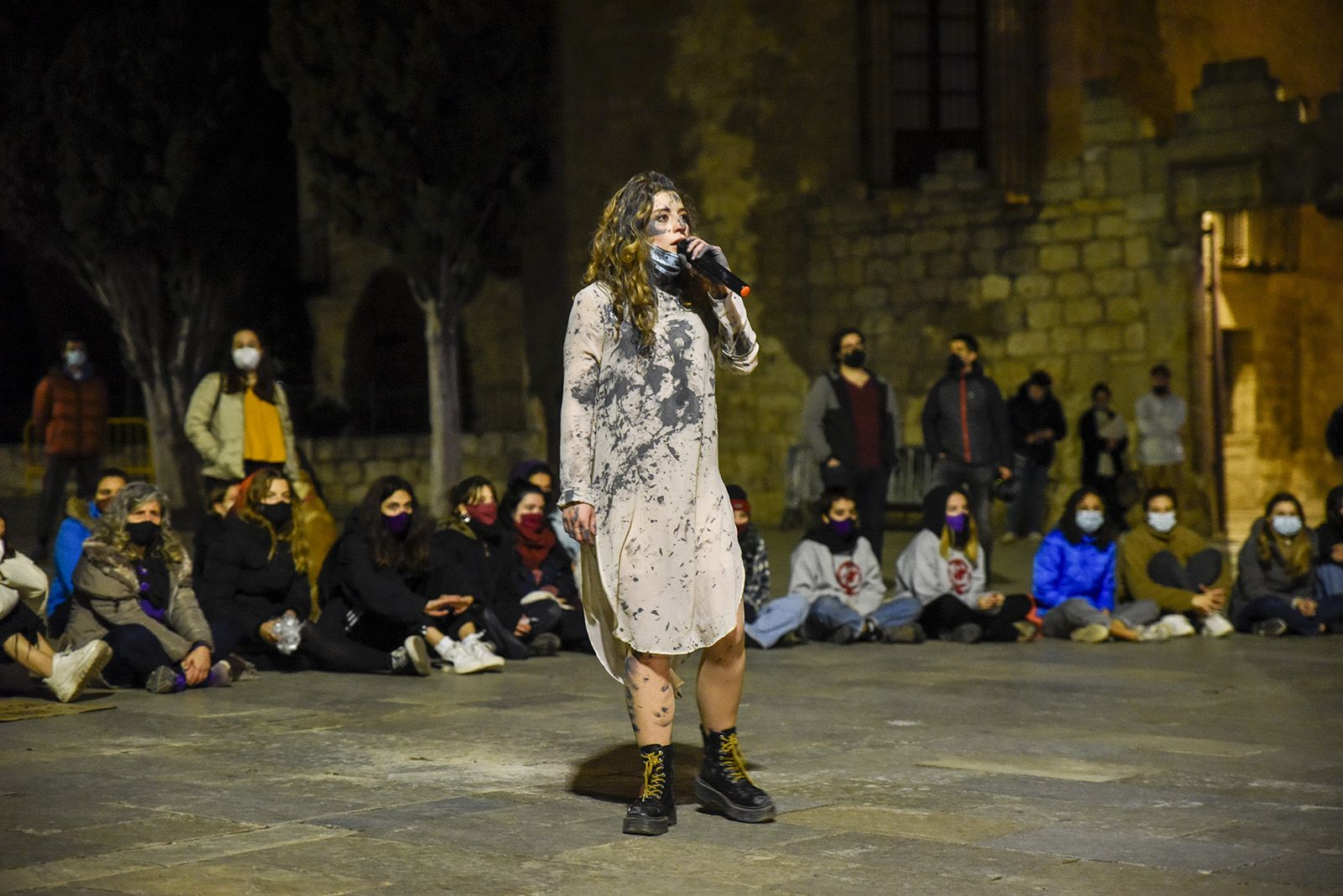Performance 8M. Foto: Bernat Millet.