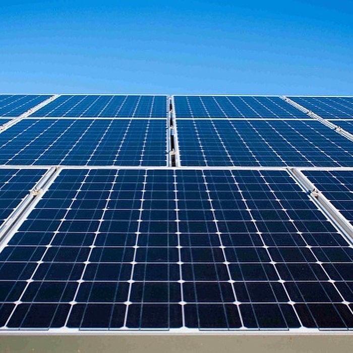 Qgat energy instal·la plaques solars. FOTO: Cedida